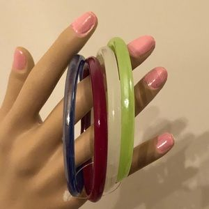Jewelry - Several glass bangles
